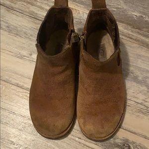 Kids ugh boots